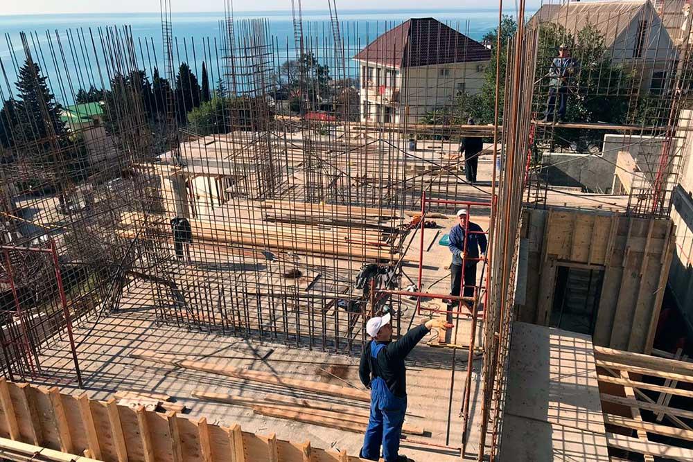 Строительство. Первый этаж.