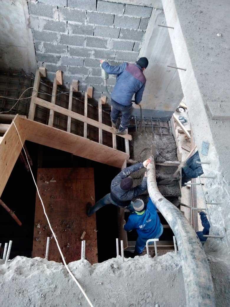 Строительство лестницы кафе