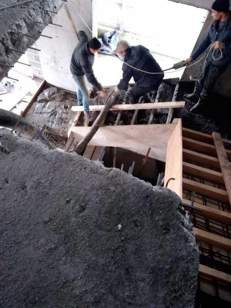 Заливка бетоном лестницы